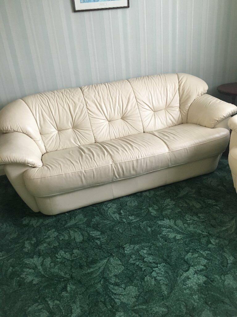 Leather Sofa And 2 Chairs Clean Cream