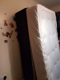 Excllent condition complete single bed