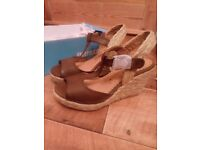 New Women's brown leather wedges UK 4 EUR 37 - super comfortable!