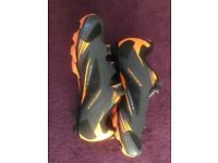 Mens Northway Cycling Shoes, size 9, scarcely worn.
