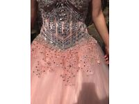 Stunning wedding or prom dress from size 8 to size 12 beautiful detail a propper princess dress.