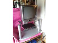 Matui 20 inch TV / Television & BT Freeview Recorder Box PVR, & glass TV Stand / Table FREE DELIVERY