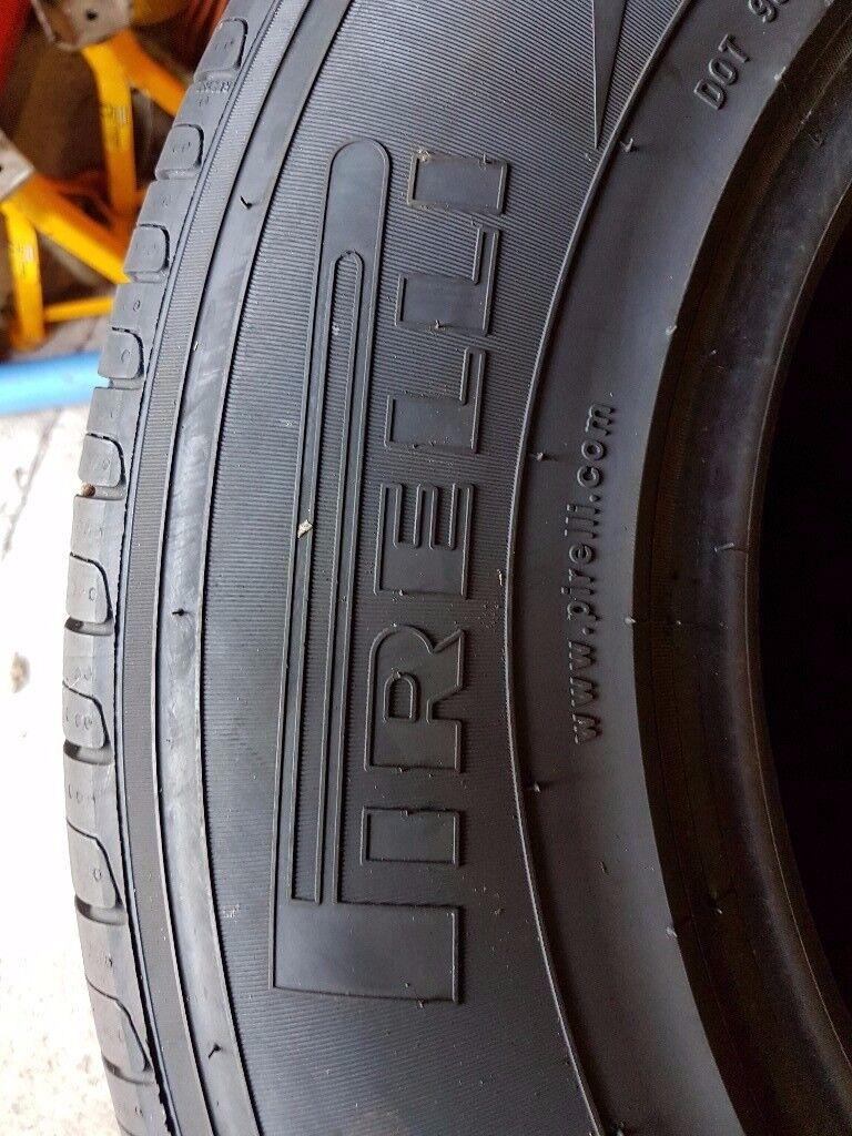 4 x 4 Pirelli Tyres 235/70 R 16