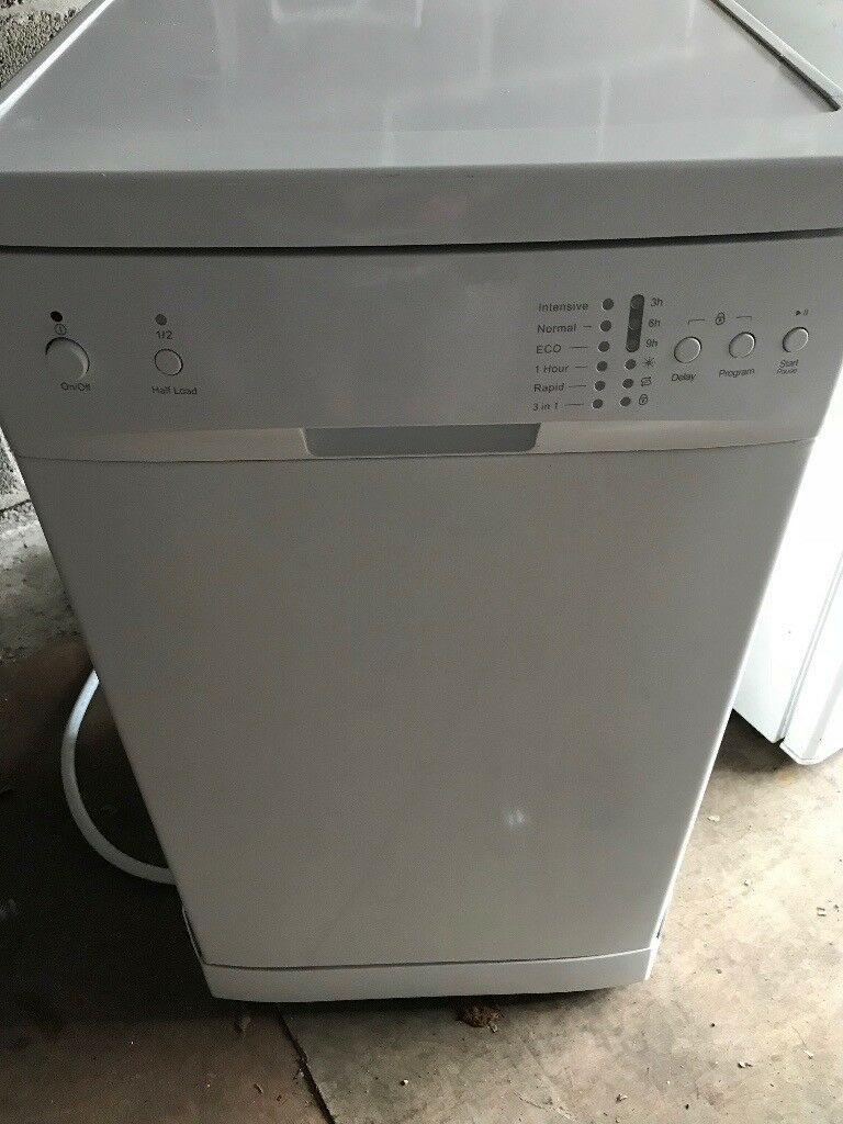 Here w have a lovely slimline dishwasher for sale