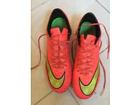 Nike football boots size 6.5. plastic studs
