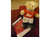 Build a Bear in Manchester United Kit with Limited Edition Scarf (NEW) - Shipley