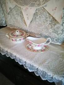 Royal Worcester gravy boat + stand + serving fish