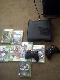 Xbox 360 slim 9 games 2 pads