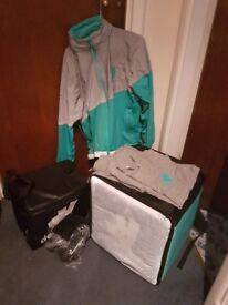 Deliveroo bag and acseccorises