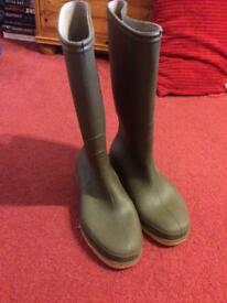 Wellies - adult size 4