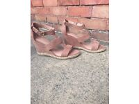 Sandals very good condition!
