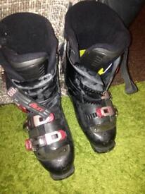 Ski boots used approx size 28