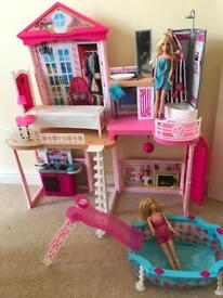 Barbie House with accessories and 2 dolls