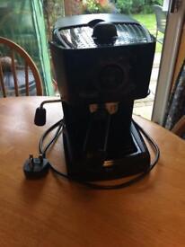 DeLonghi coffee machine. Cappuccino, espresso etc