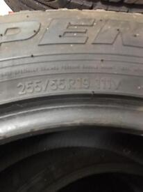 255 55 19 tyres 111v