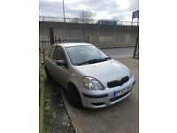 Toyota yaris 1.0 2003 silver breaking for parts