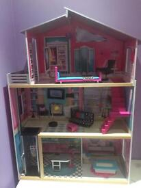 Universe of imagination doll's house