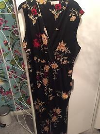 Size 20 black floral silk play suit