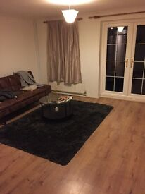 3 Double rooms available in 5 bedroom house for single professionals, Richmond £750-£900