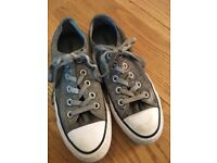 Converse All Stars - size 4 excellent condition