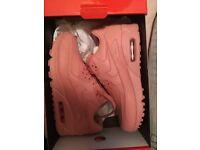 Brand new Genuine ladies pink nike air pinnacle