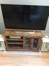Solid Wood media unit