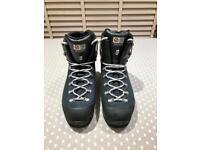 Scarpa Manta Walking boots, NEW