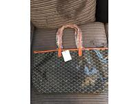 Goyard Bag (Gucci Louis Vuitton Versace Chanel Givenchy)