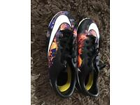 Nike Astro turf trainers size uk 4
