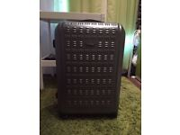 Large Hard Samsonite Suitcase in Grey (4 Wheeler)