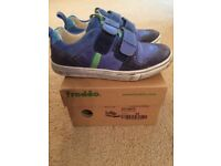 Boys Froddo shoes Size 28
