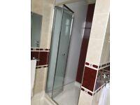Folding Shower Door in Aluminium