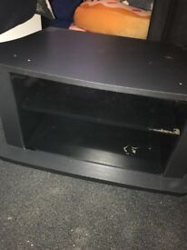 WOOD/GLASS TV STAND