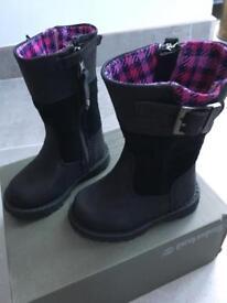 Girls timberland boots brand new size 4 uk