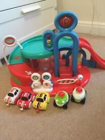 ELC Whizz World Garage + 3 additional cars