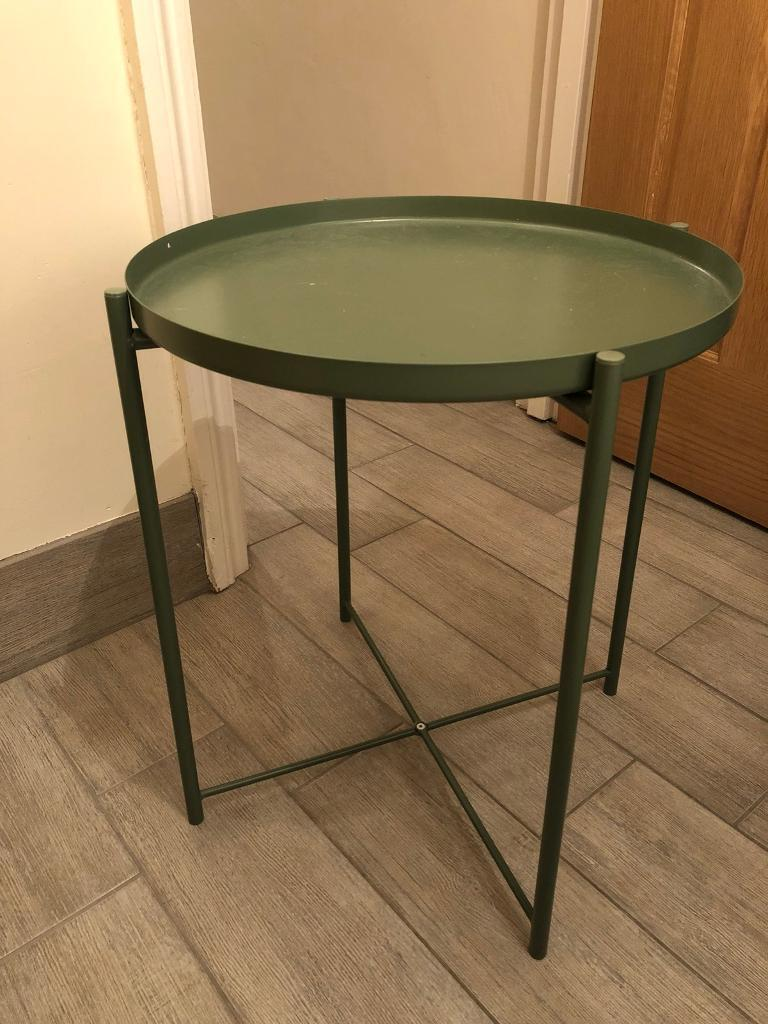 Tray table/small table - looks brand new