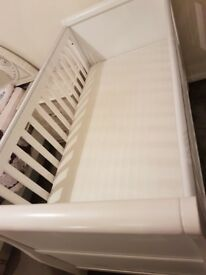 Mothercare Baby Cot bed in white. Immaculate condition and barely used!!!