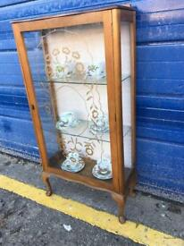 VINTAGE WALNUT GLAZED CHINA DISPLAY CABINET - ANTIQUE VINTAGE RETRO