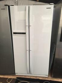 Samsung white good looking frost free A-class American style fridge freezer