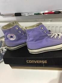 Genuine converse all star high tops size 4
