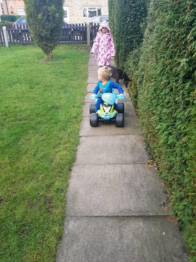 Ride on electric quad