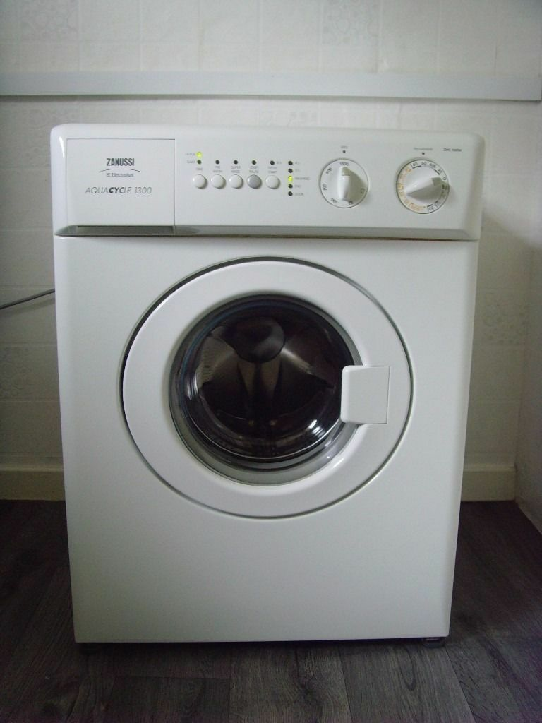 Small Laundry Machine Zanussi Aquacycle 1300 Compact 3kg Small Washing Machine In