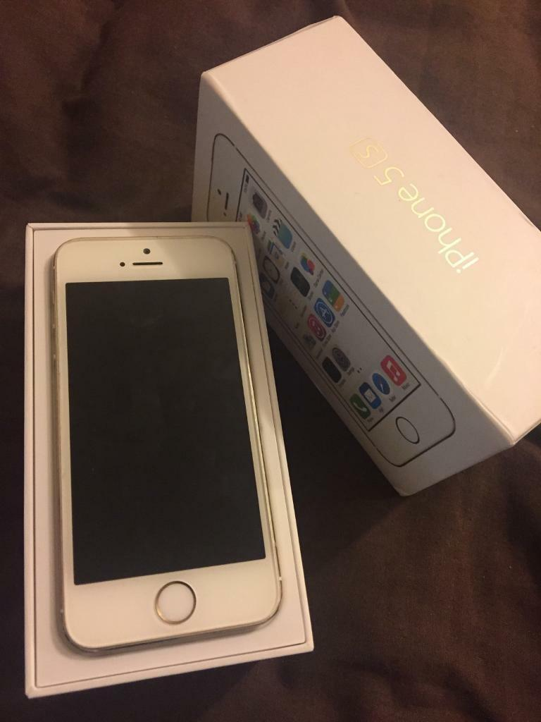 iPhone 5s white and goldin Watford, HertfordshireGumtree - IPhone 5s white and gold Perfect condition Works wellComes with box No charger Locked to 02