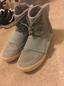 Yeezy 750 grey gum size uk 11
