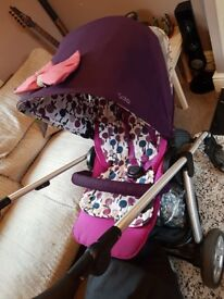 Mamas and poppers sola pushchair