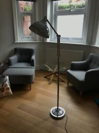 Free standing lamp. Great condition