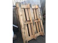 Free pallets x6