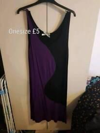 Ladies purple and black dress one size