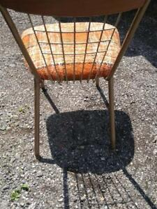 Oakville 1 Vintage Chair Kitchen Mid-Century Seating Dining Seat Plaid Metal & Wood Side Chair