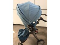 Stokke Xplory V3 with carrycot - teal.